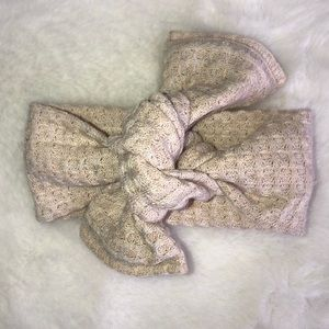 Beige waffle baby head wrap/bow 0-3 months